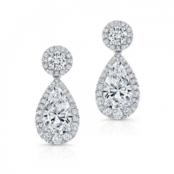Pear Shaped Diamond Earring With Halo